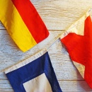 hs_sl40_3_6_nautical-flags_on_a_line_closeup_reg