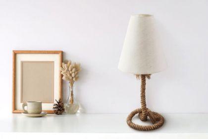 1_Urocza-lampka-marynistyczna-z-liny
