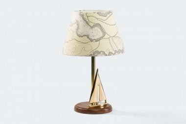 Lampa-w-style-marynistycznym-z-jachtem