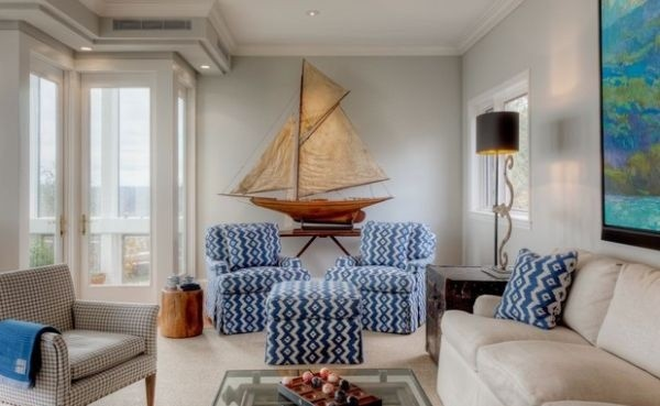 Light-blues-bring-in-the-nautical-touch-elegantly