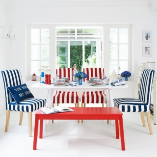 nautical-striped-dining-room-for-beach-cottage