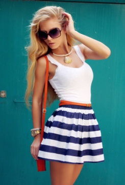 hm-divided-fashion-brands-striped-hm-whitelook-index-middle