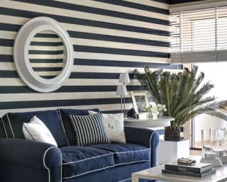 blue-and-white-wall-stripes