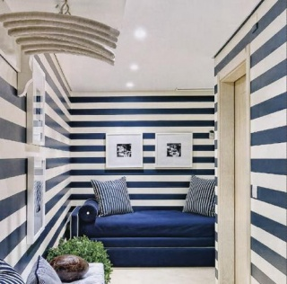 blue-white-striped-walls-portuguese-interior-design
