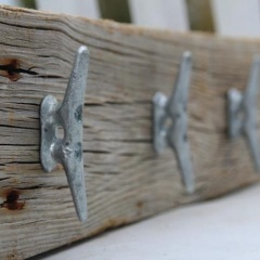 cleat-hooks-on-wood