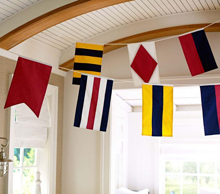 Gala flagowa w dekoracjach wnęrz